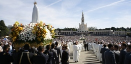 Processions Fatima Portugal 13th of the Month